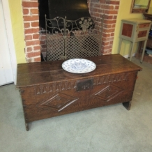 17th / 18th CENTURY OAK COFFER