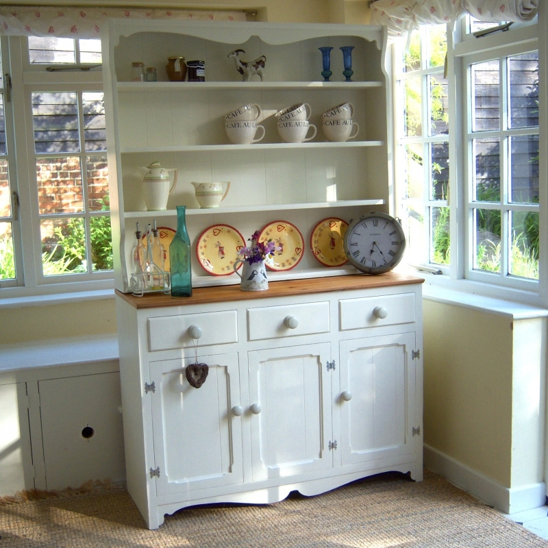 Gorgeous Pine And Cream Kitchen Dresser Kitchen Dressers Maison